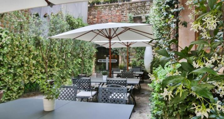Palazzo victoria a design boutique hotel verona italy for Designhotel verona