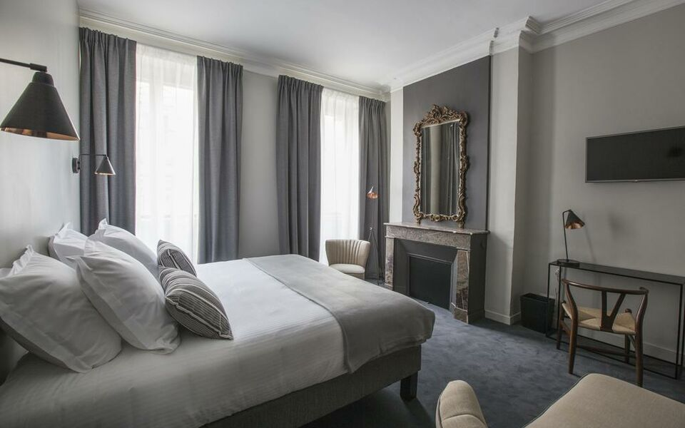 hotel de tourny a design boutique hotel bordeaux france. Black Bedroom Furniture Sets. Home Design Ideas