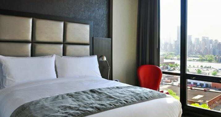 Hotels In Queens New York With Pools