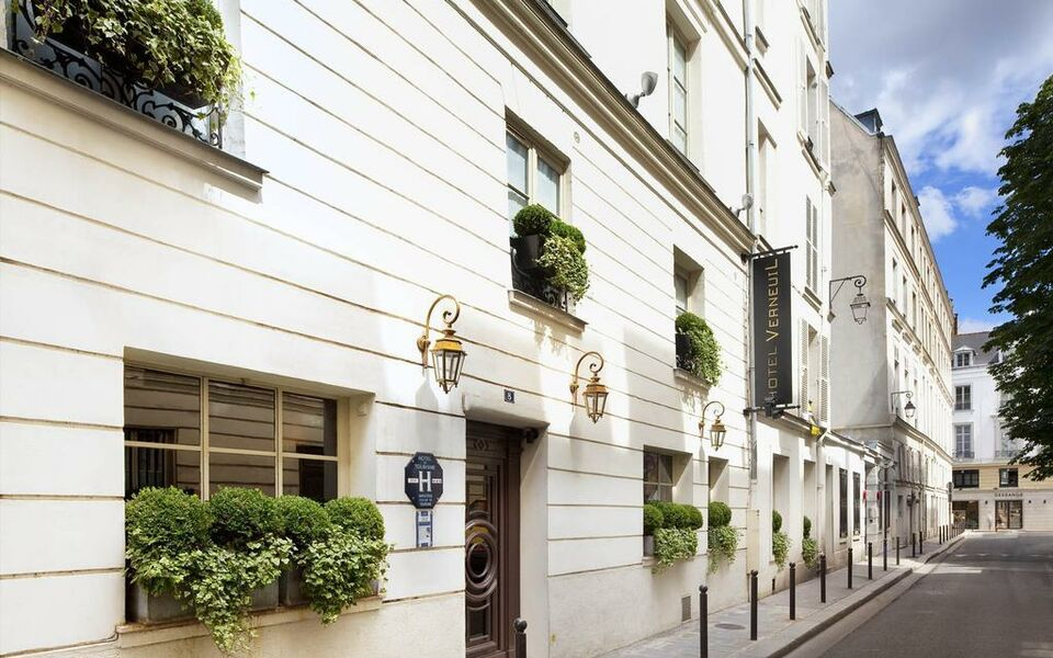Verneuil saint germain a design boutique hotel paris france for Design hotel des francs garcons saint sauvant