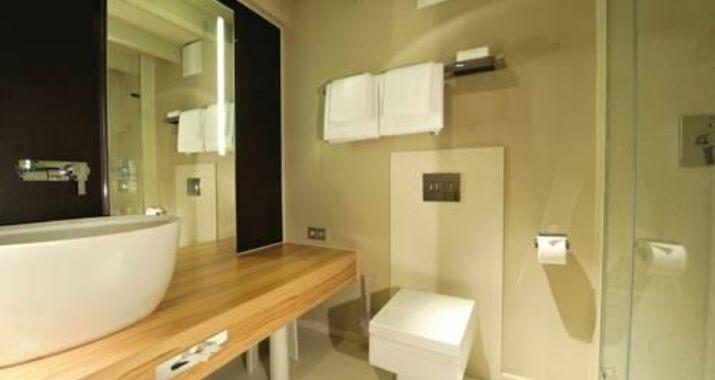 stage 47 d sseldorf allemagne my boutique hotel. Black Bedroom Furniture Sets. Home Design Ideas