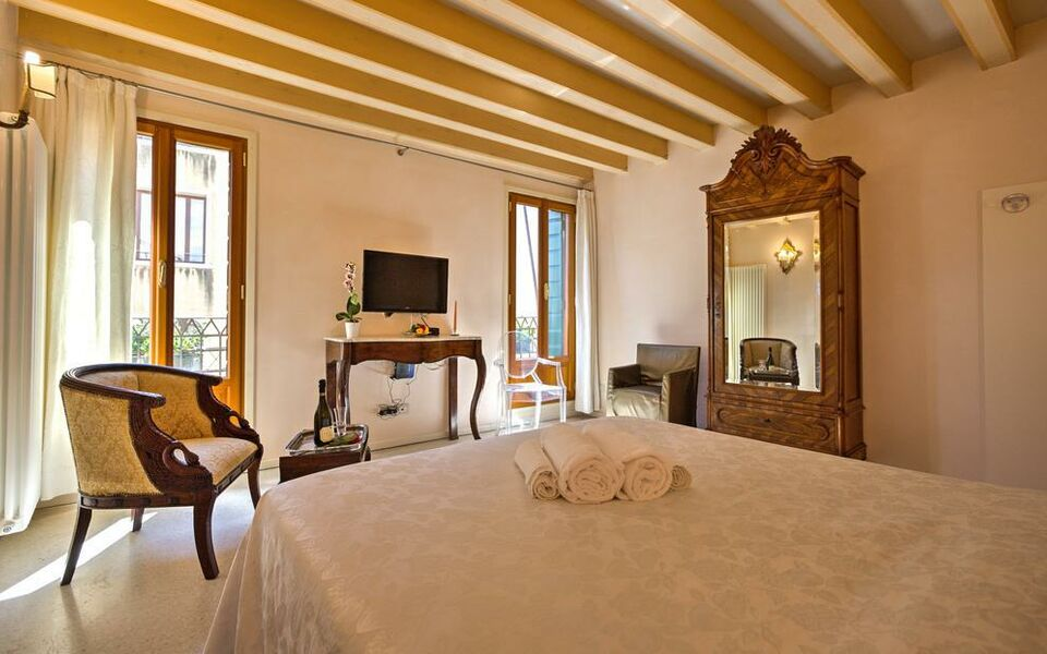 Palazzo san luca a design boutique hotel venice italy for Design apartment venice