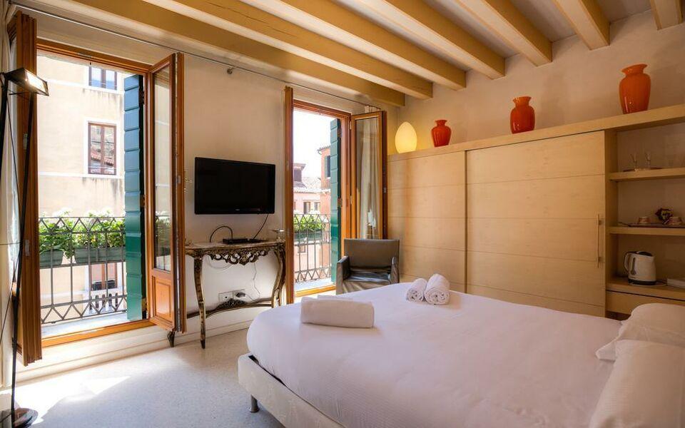 Palazzo san luca a design boutique hotel venice italy for Hotel design venice