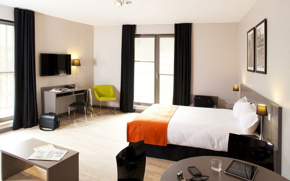 dock ouest residence groupe paul bocuse a design boutique hotel lyon france. Black Bedroom Furniture Sets. Home Design Ideas