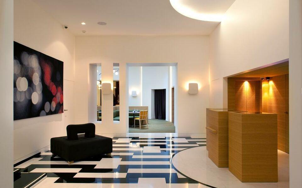 Hotel marignan champs elys es paris france my boutique for Boutique hotel 8eme
