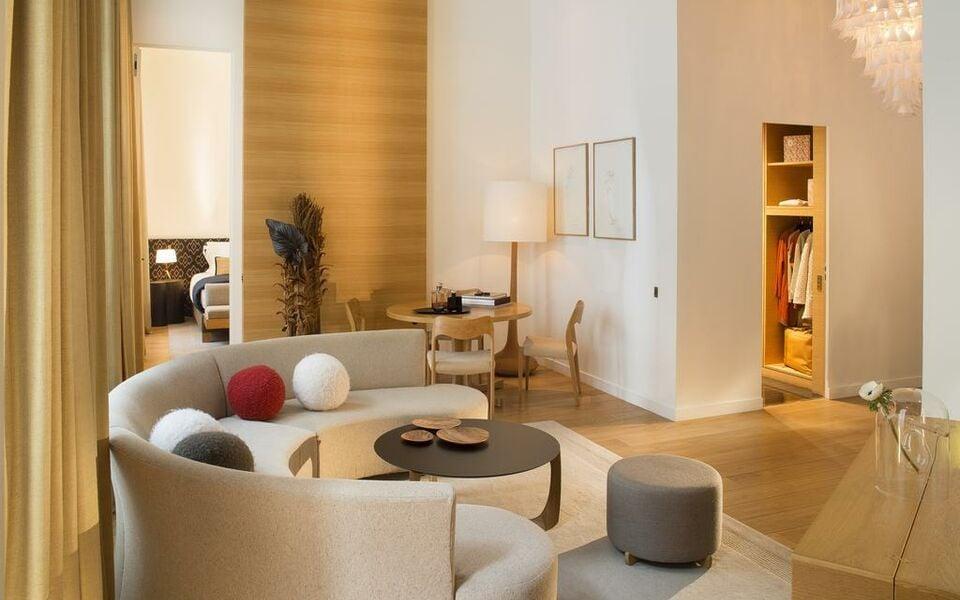 Hotel marignan champs elys es a design boutique hotel for Hotel design paris 8eme