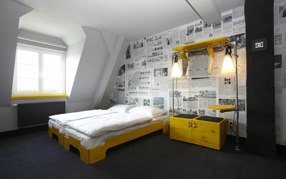 superbude hotel hostel st pauli a design boutique hotel hamburg germany. Black Bedroom Furniture Sets. Home Design Ideas