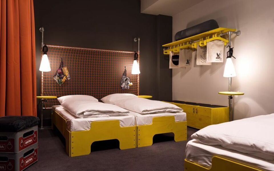 superbude hotel hostel st pauli a design boutique hotel hamburg germany. Black Bedroom Furniture Sets. Home Design Ideas