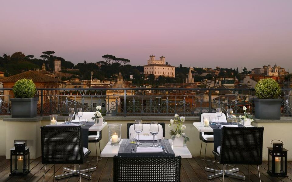 The First Luxury Art Hotel Roma, Rome, Spagna (1)