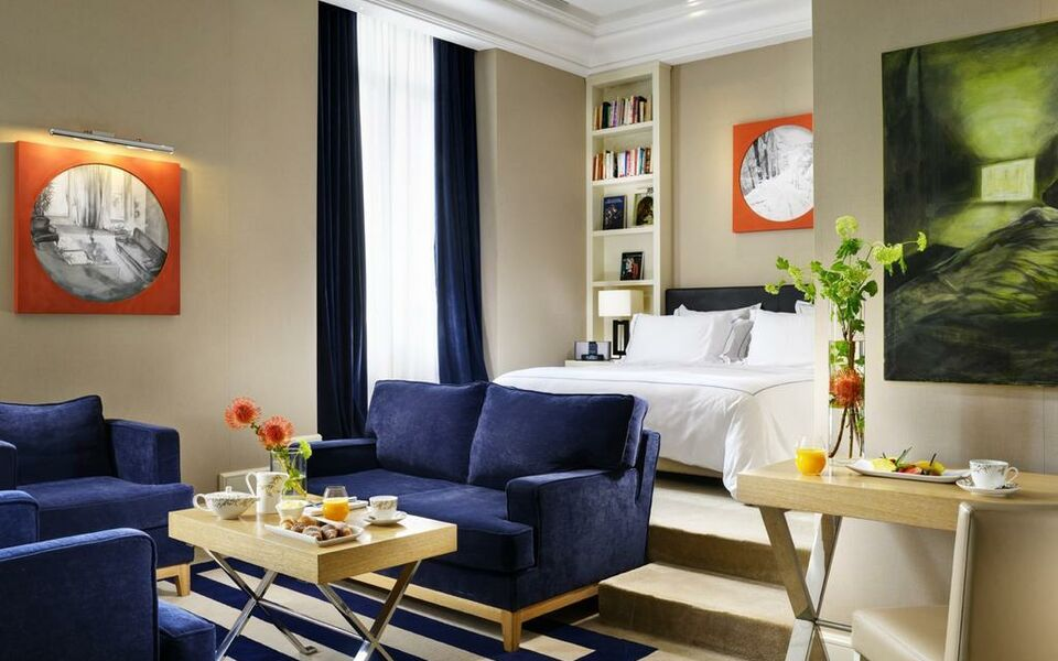 The First Luxury Art Hotel Roma, Rome, Spagna (2)