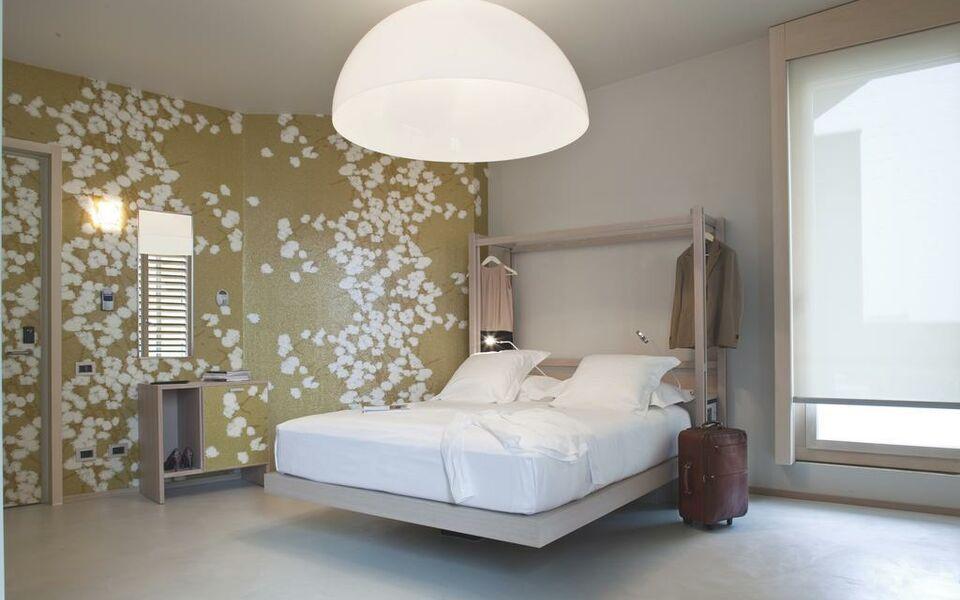 nu hotel mailand italien. Black Bedroom Furniture Sets. Home Design Ideas