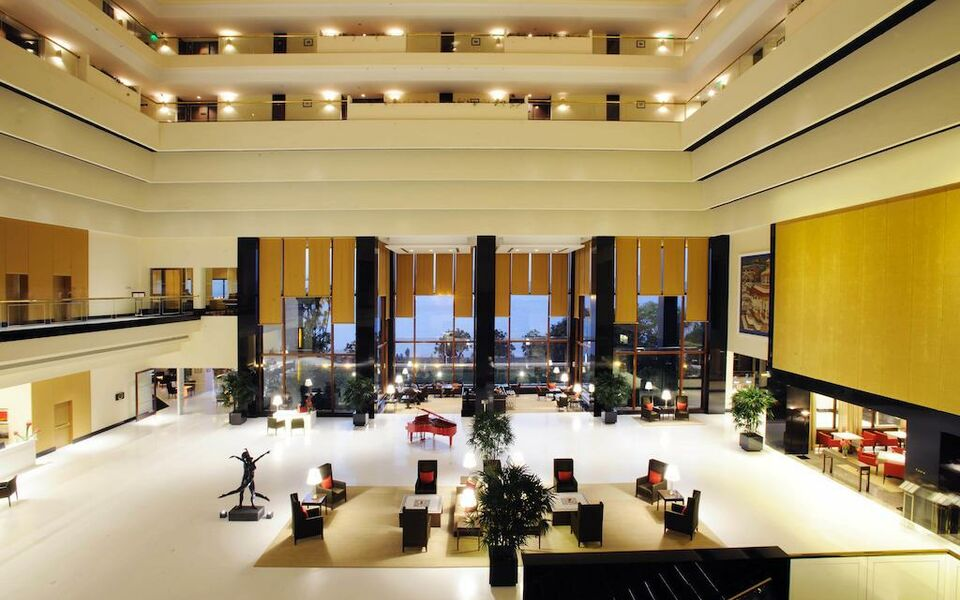 The oberoi mumbai a design boutique hotel mumbai india for Best boutique hotels in mumbai