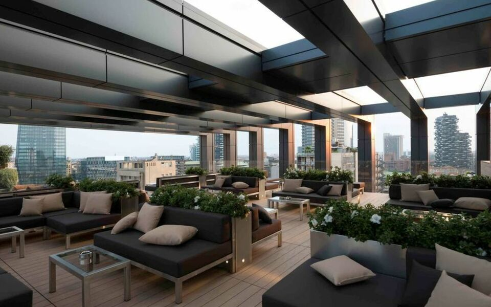 Lagare hotel milano centrale mgallery by sofitel a for Milano rooftop bar