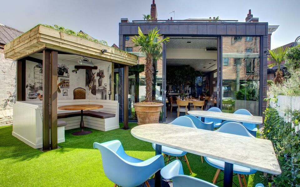 Oddfellows chester a design boutique hotel chester for Secret boutique hotels