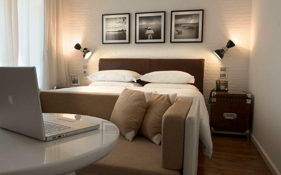 Hotel Excelsior Pesaro 2