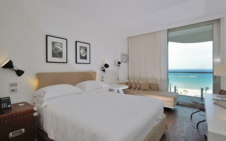 Hotel excelsior a design boutique hotel pesaro italy for Boutique hotel milano marittima