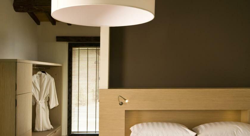 Slow life umbria relais de charme castel rigone italie my boutique hotel for Chambre double lits jumeaux