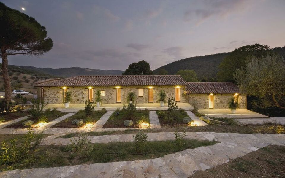 Slow life umbria relais de charme a design boutique for Design hotel umbrien