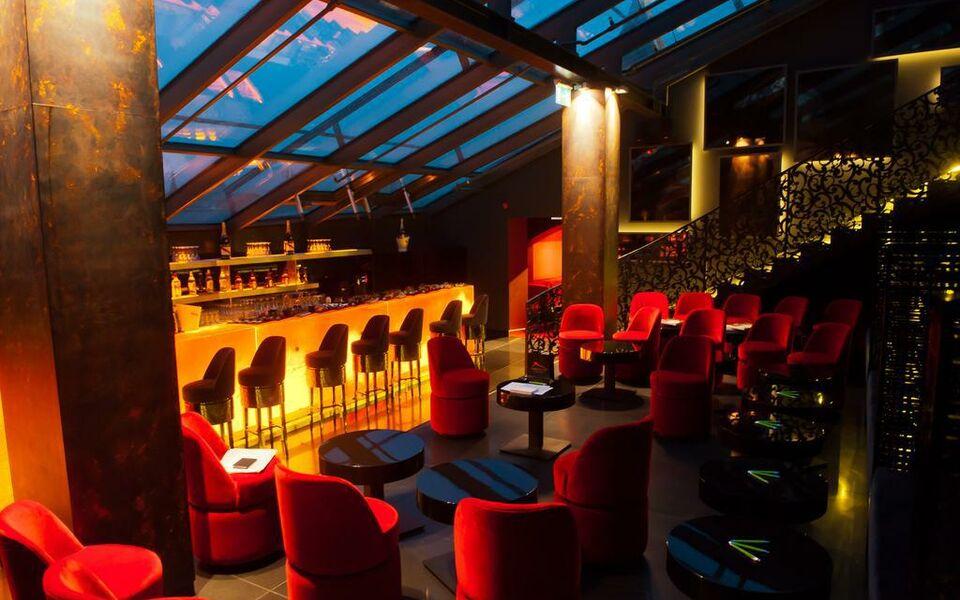 buddha bar hotel budapest klotild palace budapest. Black Bedroom Furniture Sets. Home Design Ideas