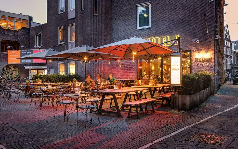 hotel v nesplein amsterdam niederlande. Black Bedroom Furniture Sets. Home Design Ideas