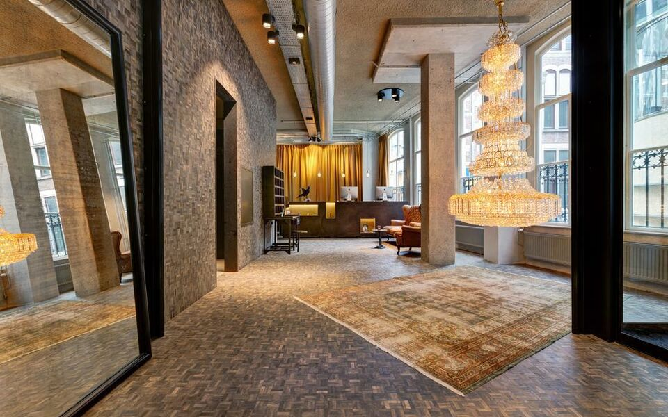 Hotel v nesplein a design boutique hotel amsterdam for Design amsterdam hotel