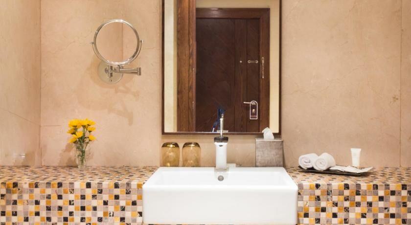 Souq waqif hotel doha by avani doha qatar my boutique for Chambre 121 gratuit