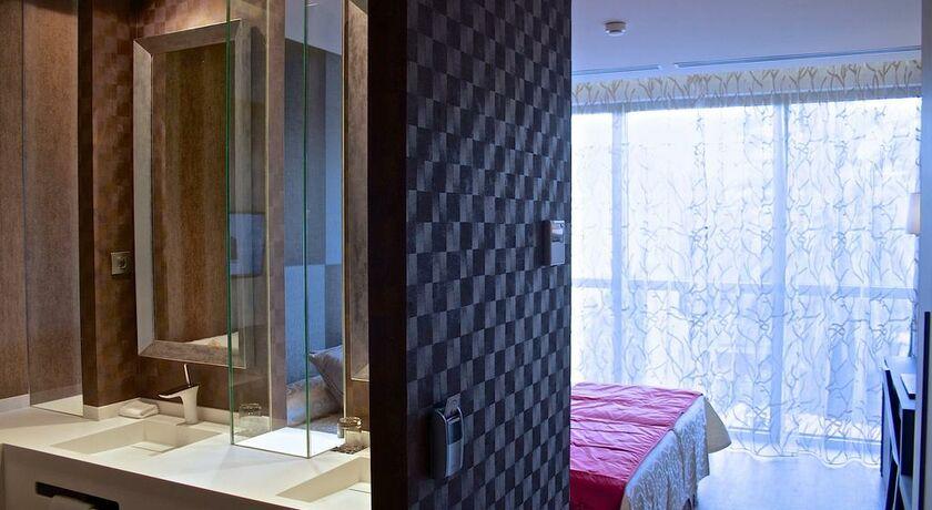 Avenida sofia hotel boutique spa sitges espagne my boutique hotel for Chambre double lits jumeaux