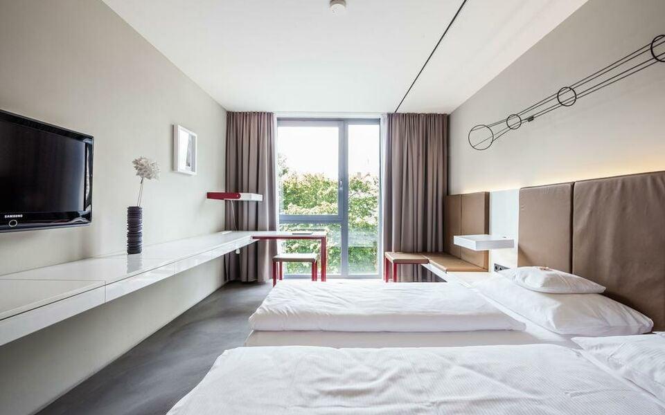 burns art cologne a design boutique hotel k ln germany. Black Bedroom Furniture Sets. Home Design Ideas