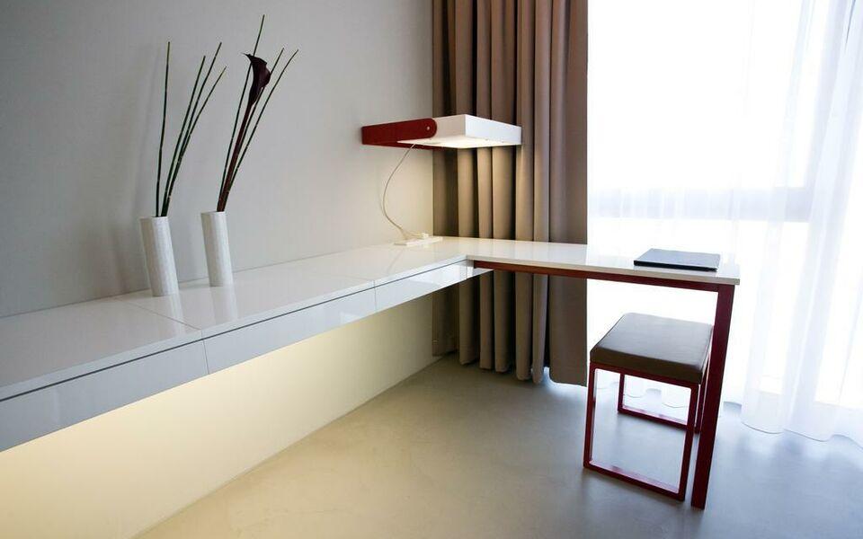 burns art cologne k ln deutschland. Black Bedroom Furniture Sets. Home Design Ideas