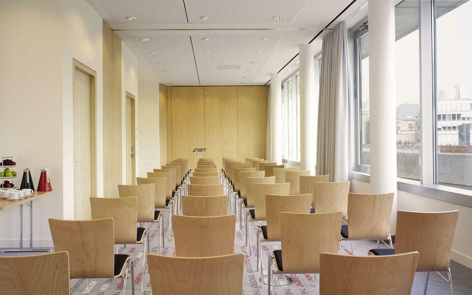 art 39 otel cologne by park plaza a design boutique hotel k ln germany. Black Bedroom Furniture Sets. Home Design Ideas