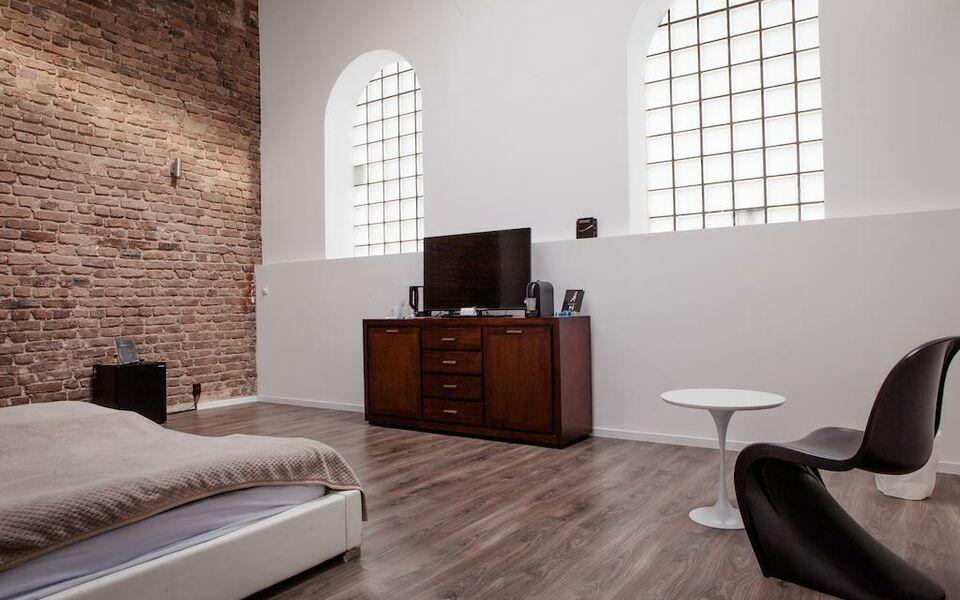 Gallery loft cologne a design boutique hotel k ln germany for Designer hotel koln