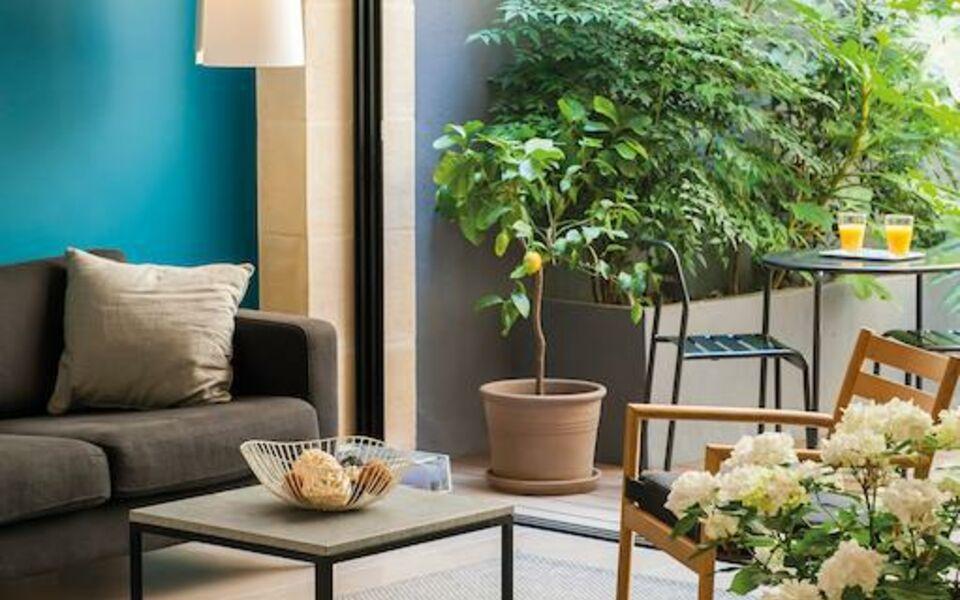 H tel la courcarr e bordeaux centre bordeaux france my for La boutique bordeaux hotel