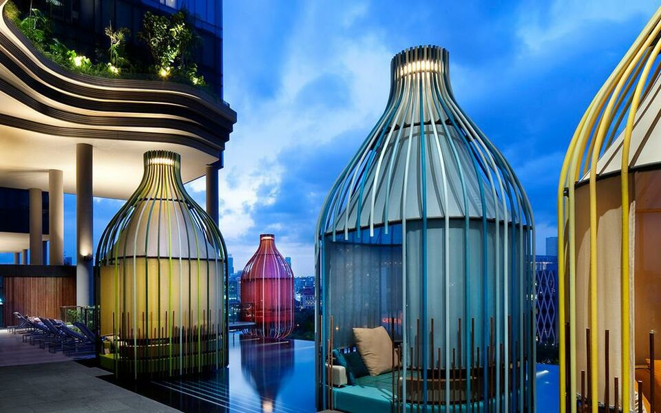 Parkroyal on pickering a design boutique hotel singapore singapore for Gay in singapore swimming pools