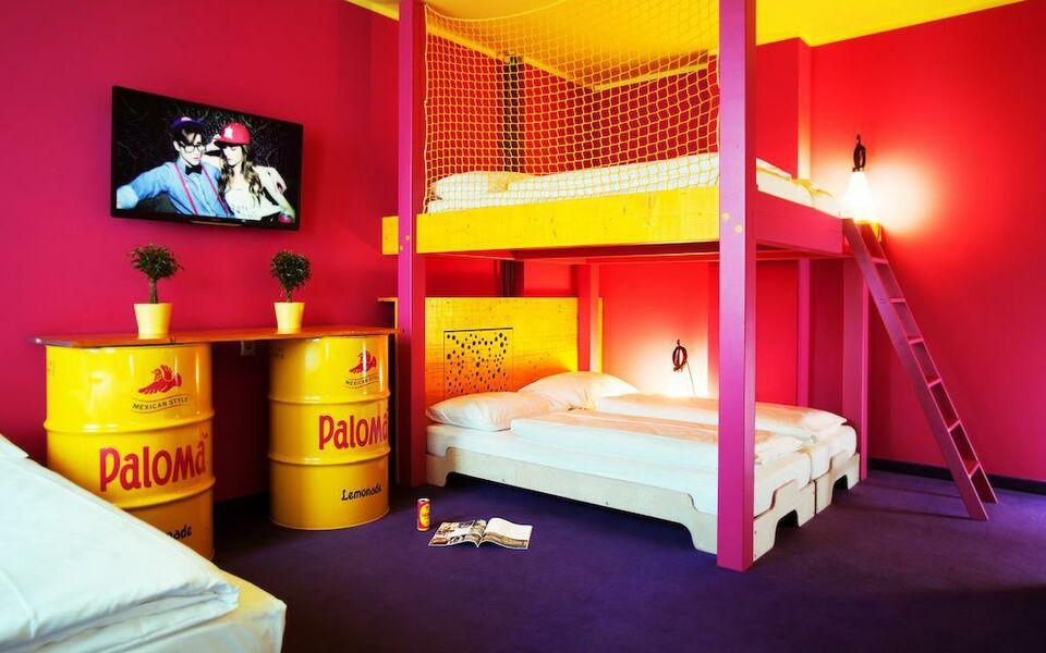 superbude hotel hostel st georg hamburg germania. Black Bedroom Furniture Sets. Home Design Ideas