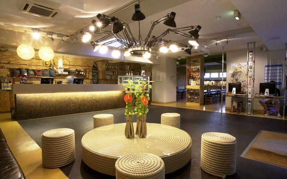 superbude hotel hostel st georg a design boutique hotel hamburg germany. Black Bedroom Furniture Sets. Home Design Ideas