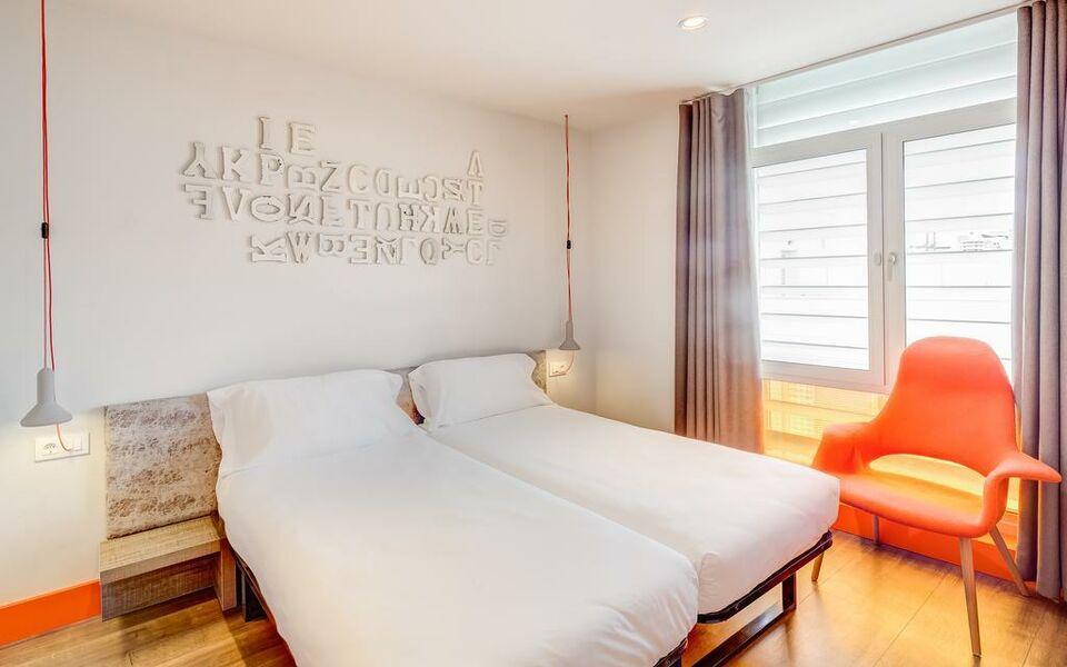 generator hostel barcelona a design boutique hotel barcelona spain. Black Bedroom Furniture Sets. Home Design Ideas