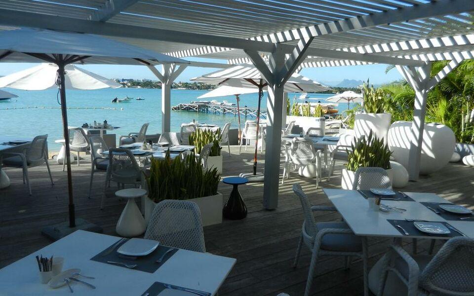 Heart Stone Restaurant On Bay