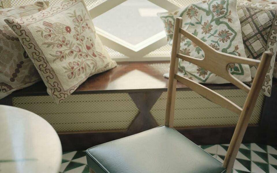h tel du temps a design boutique hotel paris france. Black Bedroom Furniture Sets. Home Design Ideas