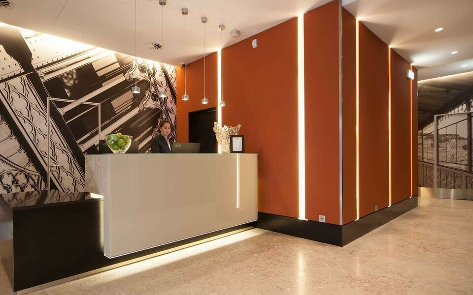 Hotel santa justa a design boutique hotel lisbon portugal for Design hotel by justa