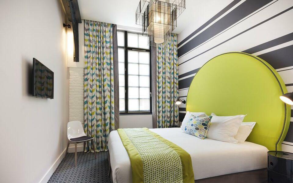 h tel fabric a design boutique hotel paris france. Black Bedroom Furniture Sets. Home Design Ideas