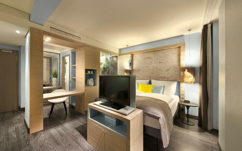 Hotel Indigo Berlin Alexanderplatz Standard Room