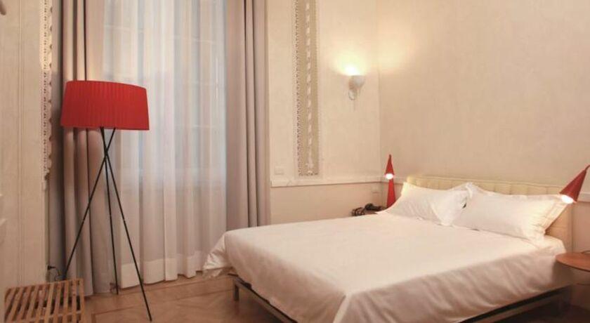 Hotel le nuvole residenza d 39 epoca genes italie my for Boutique hotel genes