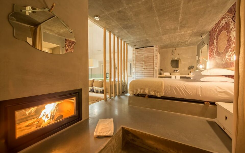 Luz charming houses a design boutique hotel fatima portugal for Charming small hotels
