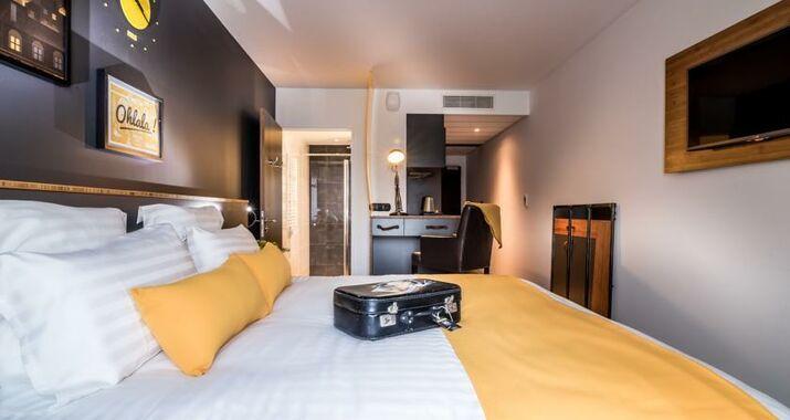 best western plus suitcase paris la d fense bois colombes francia. Black Bedroom Furniture Sets. Home Design Ideas