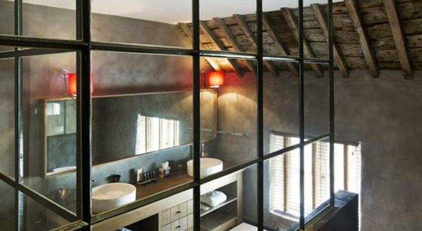 ne5t hotel spa namur belgien. Black Bedroom Furniture Sets. Home Design Ideas