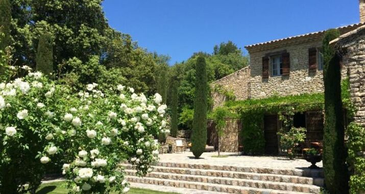Villa hautvallon a design boutique hotel gordes france At home architecture gordes 84