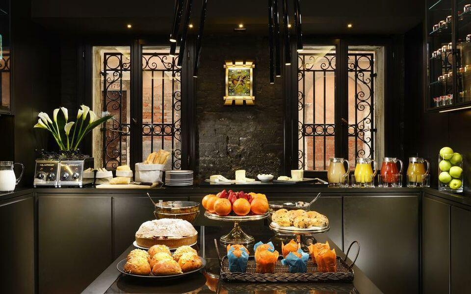 Hotel L Orologio Rooms