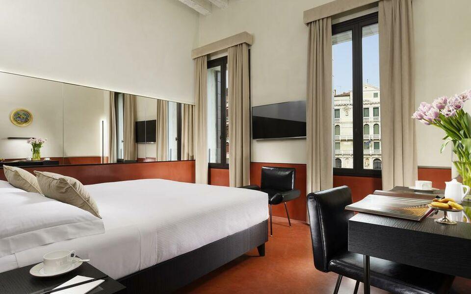 hotel l 39 orologio a design boutique hotel venice italy. Black Bedroom Furniture Sets. Home Design Ideas