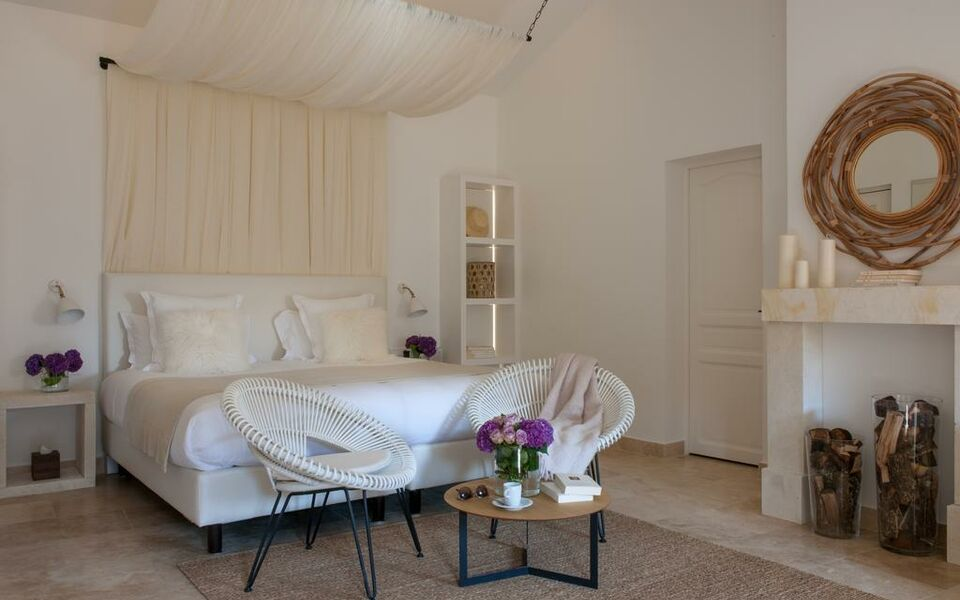 le vieux castillon castillon du gard france my. Black Bedroom Furniture Sets. Home Design Ideas