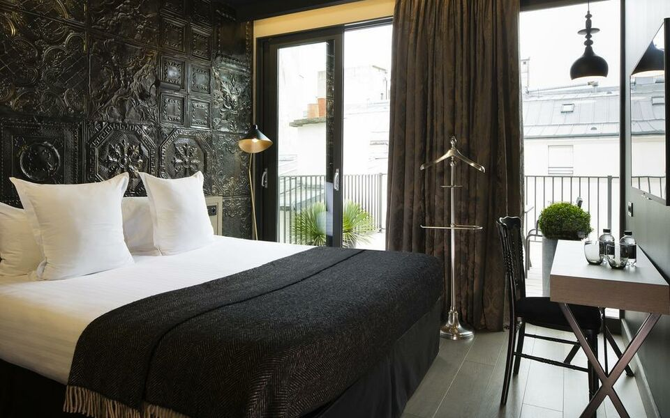 Hotel eug ne en ville a design boutique hotel paris france for Top design hotels in paris
